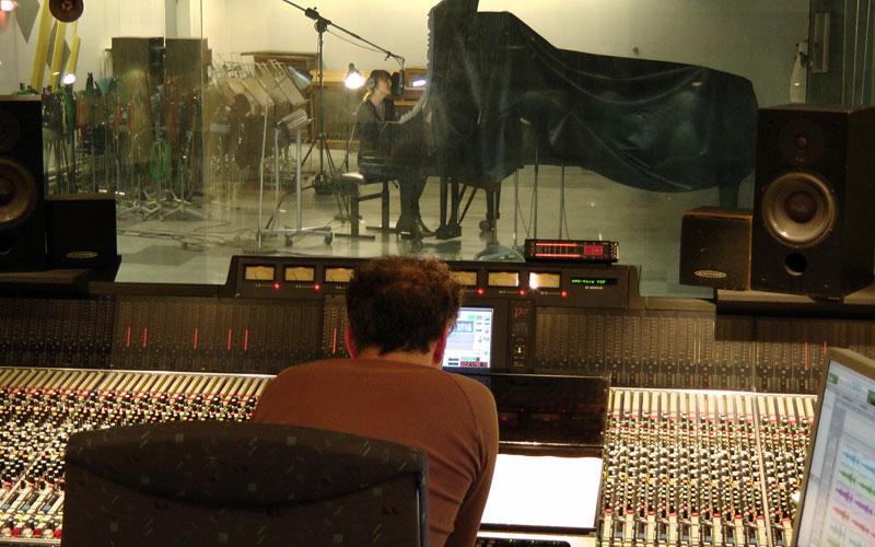 REYNA Bauer Studios 2011 mit Produzent Philipp Heck