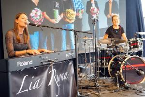 Lia Reyna + Drummerin @ Großes Schwäpo Leserfest Aalen (Juli 2018)