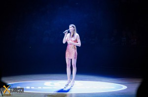 LIA REYNA @ ratiopharm arena Nationalhymne